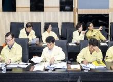 [경북의회]경북도의회 행복위, 코로나19 조기 종식 중지 모아